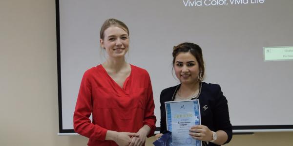 Поздравляем студентку ФИЯ Энеджан Хемрагулыеву с 1 местом в Олимпиаде по русскому языку для иностранных студентов
