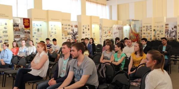 Преподаватель факультета иностранных языков выступила с открытой лекцией