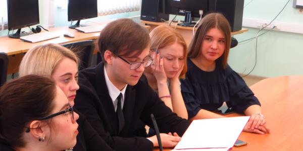 23 апреля 2018 г. на ФИЯ прошли дебаты в рамках Международного дня информационной грамотности