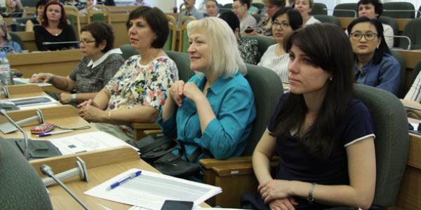 21-25 мая 2018 г. сотрудники ФИЯ приняли участие в работе научно-практических семинаров по информационной грамотности в г. Санкт-Петербурге