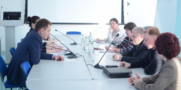 Встреча Министра целевых программ РМ А. Н. Меркушкина с Председателем Союза переводчиков России, Л. О. Гуревичем в рамках Международной научно-практической конференции «Перевод в меняющемся мире» 20 марта 2015 г.