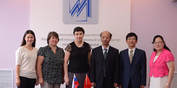 Мордовский университет посетила делегация Уханьского текстильного университета (Китай)