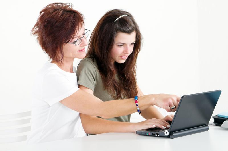 Современные способы располагают к тому, чтобы не тратить на учебу все свое основное время, а продолжать работать