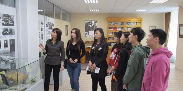 Студенты из Китая посетили Центр М. М. Бахтина
