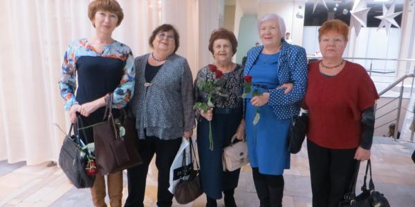 30 ноября 2017 г. на ФИЯ прошли праздничные мероприятия, посвященные 65-летию факультета